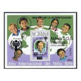 Poštovní známka Nikaragua 1979 Mezinárodní rok dětí Mi# Block 133 Kat 35€
