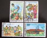 Poštovní známky Togo 1975 Sběr palmového oleje Mi# 1106-09