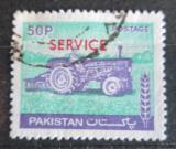 Poštovní známka Pákistán 1979 Traktor přetisk, úřední Mi# 118