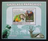 Poštovní známka Guinea-Bissau 2008 Papoušci a gazely DELUXE Mi# 3811 Block