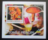 Poštovní známka Svatý Tomáš 2003 Houby a orchideje DELUXE Mi# 2000 Block