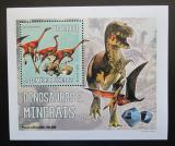 Poštovní známka Svatý Tomáš 2006 Dinosauři a minerály DELUXE Mi# 2772 Block