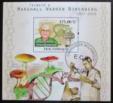 Poštovní známka Mosambik 2010 Houby, Marshall W. Nirenberg Mi# Block 400 Kat 10€