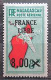Poštovní známka Madagaskar 1943 Letadlo a mapa přetisk Mi# 344