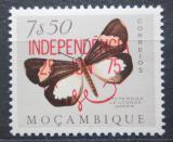 Poštovní známka Mosambik 1975 Nyctemera leuconoe přetisk Mi# 589