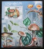 Poštovní známka Guinea-Bissau 2012 Houby Mi# Block 1066 Kat 13€