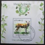 Poštovní známka Mosambik 2010 Pes hyenovitý Mi# Block 305