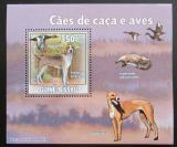 Poštovní známka Guinea-Bissau 2009 Lovečtí psi a kachny DELUXE Mi# 4487 Block