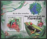Poštovní známka Mosambik 2011 Listovnice červenooká Mi# Block 408 Kat 10€
