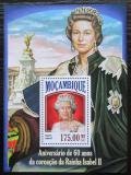 Poštovní známka Mosambik 2013 Královna Alžběta II. Mi# Block 846 Kat 10€