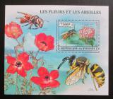 Poštovní známka Burundi 2013 Včely a květiny Mi# Block 382 Kat 9€