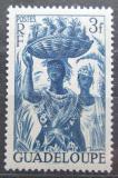 Poštovní známka Guadeloupe 1947 Žena s ananasem Mi# 222