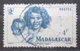 Poštovní známka Madagaskar 1946 Matka s dítětem Mi# 399