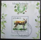Poštovní známka Mosambik 2010 Pes hyenovitý Mi# Block 305 Kat 10€