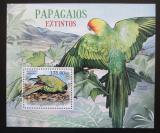 Poštovní známka Mosambik 2012 Vyhynulí papoušci Mi# Block 643 Kat 10€