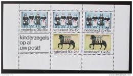Poštovní známka Nizozemí 1975 Sochy sirotkù Mi# Block 14