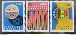 Poštovní známky Rwanda 1975 Rok svìtové populace Mi# 721-23
