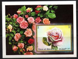 Poštovní známka Umm al-Kuvajn 1972 Rùže Mi# Block 56