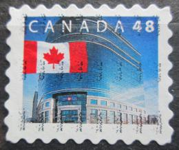 Poštovní známka Kanada 2002 Státní vlajka a hlavní pošta v Ottawì Mi# 2027