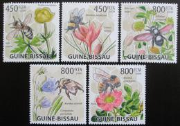 Poštovní známky Guinea-Bissau 2009 Vèely a kvìtiny Mi# 4462-66 Kat 13€