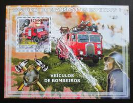 Poštovní známka Mosambik 2009 Hasièská auta Mi# Block 245 Kat 10€