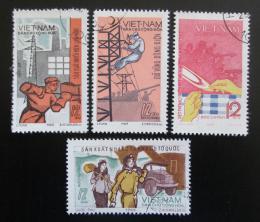 Poštovní známky Vietnam 1970 Pracovníci v prùmyslu Mi# 623-26