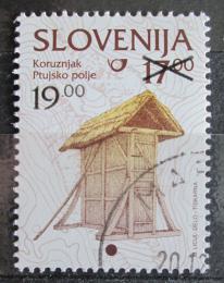Poštovní známka Slovinsko 2000 Kukuøièné silo pøetisk Mi# 305