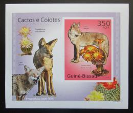 Poštovní známka Guinea-Bissau 2010 Kaktusy a kojoti DELUXE Mi# 5009 B Block