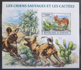 Poštovní známka Burundi 2013 Kaktusy a divocí psi neperf. Mi# Block 370 B