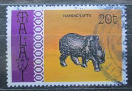 Poštovní známka Malawi 1977 Tradièní umìní, nosorožec Mi# 279