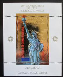 Poštovní známka Rovníková Guinea 1975 Socha svobody zlatá Mi# Block 178