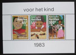 Poštovní známky Nizozemské Antily 1983 Dìti a zvíøata Mi# Block 26