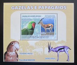 Poštovní známka Guinea-Bissau 2008 Papoušci a gazely DELUXE Mi# 3810 Block