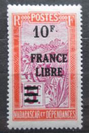 Poštovní známka Madagaskar 1943 Pøeprava na nosítkách pøetisk Mi# 302 Kat 18€