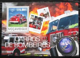 Poštovní známka Mosambik 2014 Hasièská auta Mi# Mi# Block 974 Kat 10€