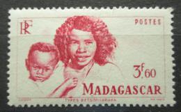 Poštovní známka Madagaskar 1946 Matka s dítìtem Mi# Mi# 398