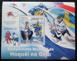 Poštovní známka Guinea-Bissau 2011 MS v ledním hokeji Mi# Block 952 Kat 10€