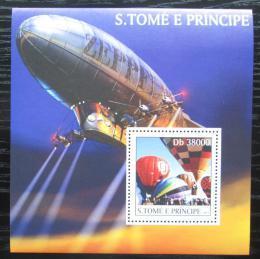 Poštovní známka Svatý Tomáš 2003 Vzducholodì a balóny Mi# Block 451 Kat 11€