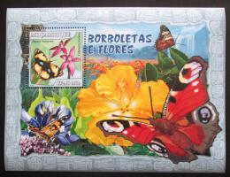 Poštovní známka Mosambik 2007 Motýli a kvìtiny Mi# Block 214 Kat 10€