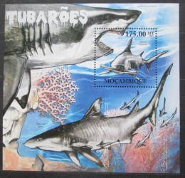 Poštovní známka Mosambik 2011 Žraloci Mi# Block 566 Kat 10€