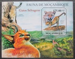 Poštovní známka Mosambik 2011 Koèkovité šelmy Mi# Block 519 Kat 10€