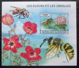 Poštovní známky Burundi 2013 Vèely a kvìtiny neperf. Mi# Block 382 B