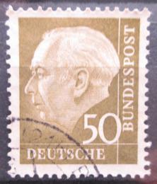 Poštovní známka Nìmecko 1957 Prezident Heuss Mi# 261 x