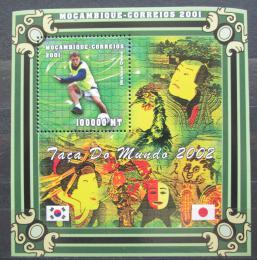 Poštovní známka Mosambik 2001 MS ve fotbale Mi# Block 76 Kat 10€