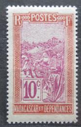 Poštovní známka Madagaskar 1925 Pøeprava na nosítkách Mi# 151