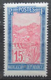 Poštovní známka Madagaskar 1928 Pøeprava na nosítkách Mi# 153