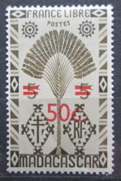 Poštovní známka Madagaskar 1944 Strom cestovatelù pøetisk Mi# 373