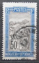 Poštovní známka Madagaskar 1922 Pøeprava na nosítkách Mi# 160
