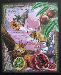 Poštovní známka SAR 2012 Netopýøi a ovoce Mi# Block 950 Kat 14€