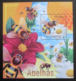 Poštovní známka Mosambik 2013 Vèely Mi# Block 770 Kat 10€